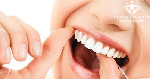 Làm sạch răng thường xuyên để tránh bị viêm tủy răng