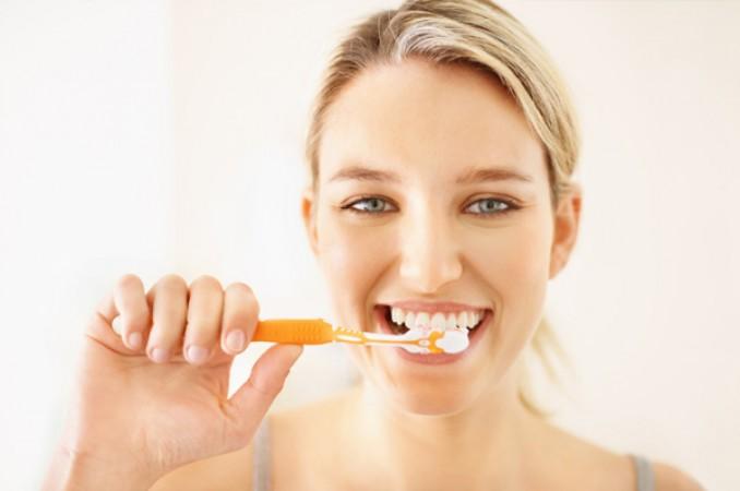 5 Cách chăm sóc răng sứ Titan giúp TĂNG tuổi thọ vĩnh viễn
